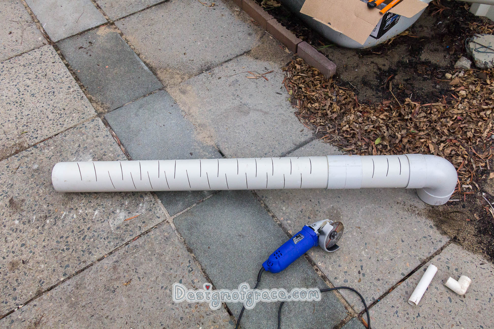 Thought I'll try to imitate the Ag slotted pipes by angle grinding slots on the PVC pipes instead of holes.
