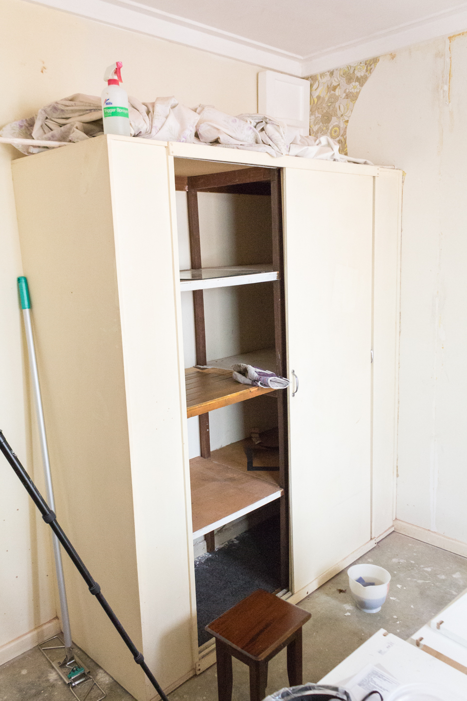 The very unusable wardrobe which also had mold growing on the bottom!